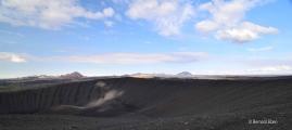 <h5>05 - Une trouée éclaire le volcan</h5>
