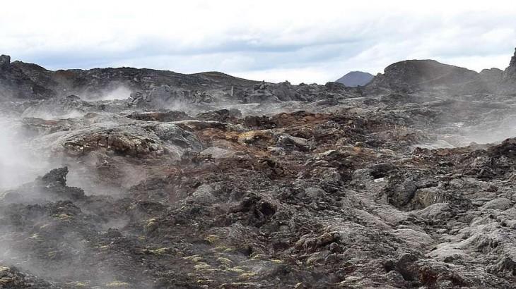 Krafla et la coulée de lave de 19km de long.